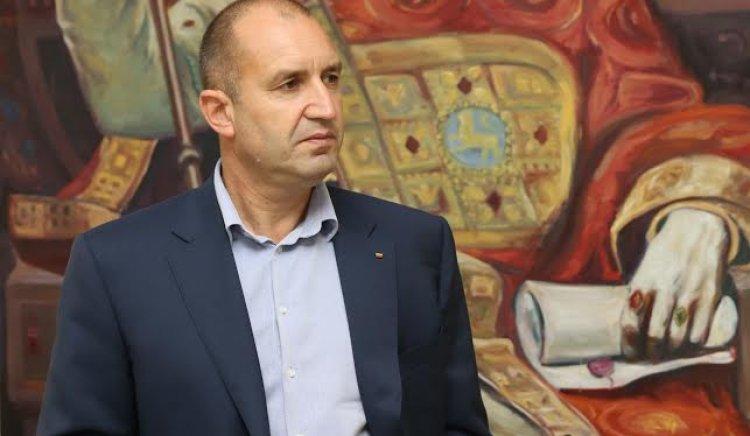 Румен Радев: Против съм в територии с демографски проблеми да се изграждат бежански центрове