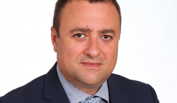 Иван Иванов: Страхува ли се ГЕРБ от пряк словесен двубой между водачите на листите